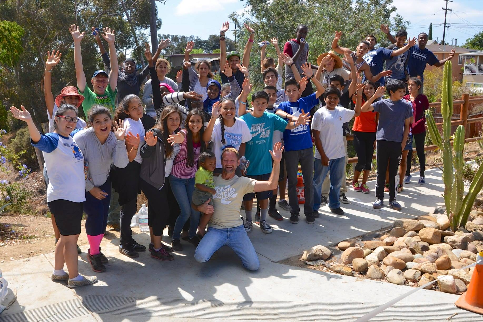 volunteer for the creek to bay cleanup in San Diego